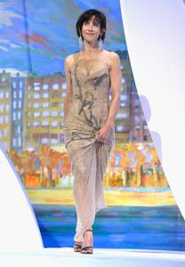 Sophie Marceau sur la scène du festival de Cannes.