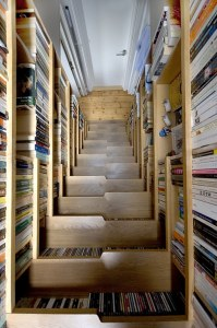 Escaleras de biblioteca