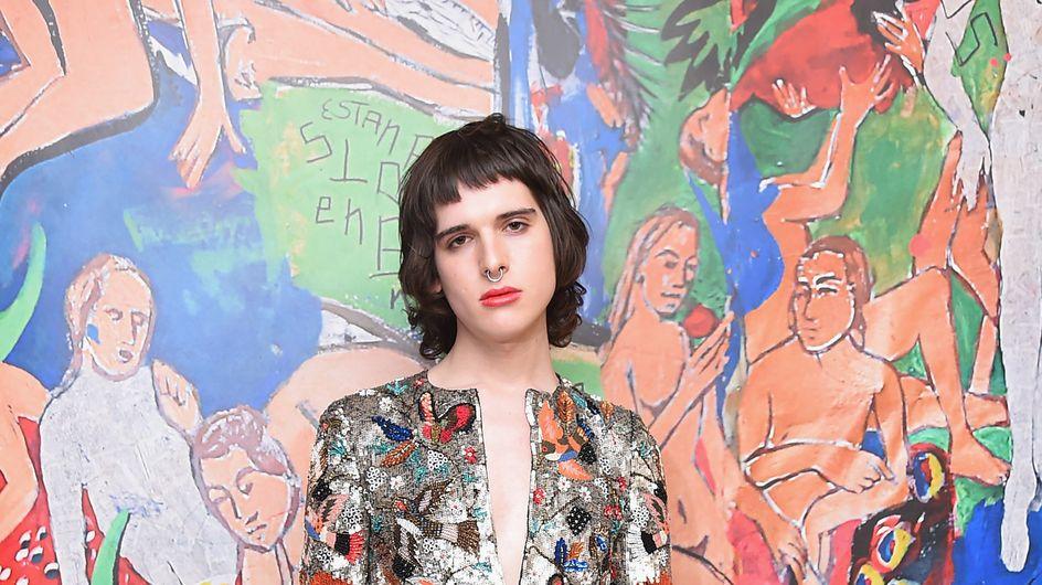 Le mannequin transgenre Hari Nef a signé un contrat chez IMG Models