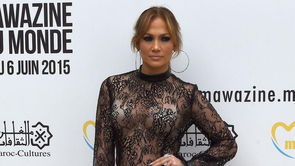 Jennifer Lopez en pantalon Forever 21 à $25 sur un red carpet ! (Photos)