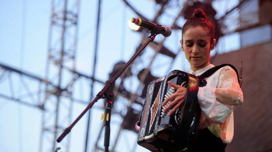 Julieta Venegas: La música es mi manera de expresarme, es una parte de mi cuerpo