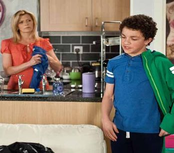 Coronation Street 8/06 - Michael and Eileen's worlds collide