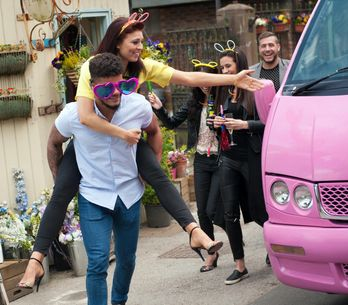 Hollyoaks 11/06 - ​Porsche continues to drink her problems away