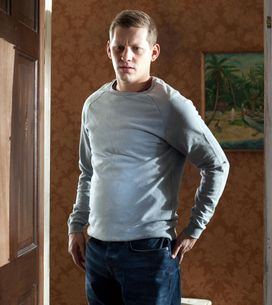 Hollyoaks 12/06 - Porsche returns home from another night out