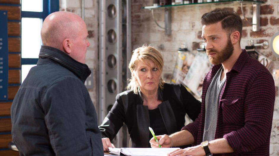 Eastenders 9/06 - Ronnie's paranoia about Roxy and Charlie grows