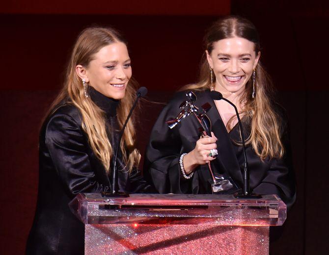Ashley et Mary-Kate Olsen aux CFDA Fashion Awards 2015