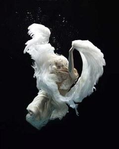 Editorial Underwater