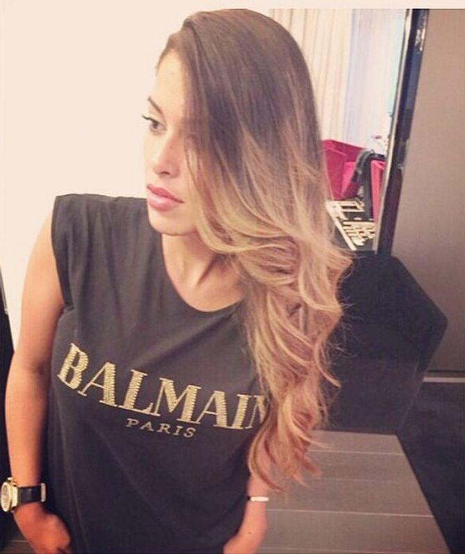 Ayem Nour blonde