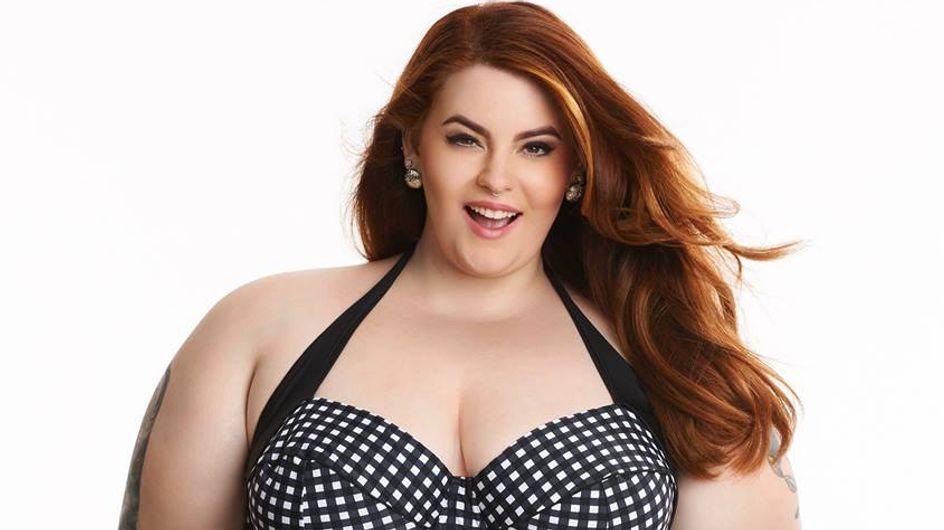 Le top plus size Tess Holliday en bikini pour Simply Be pour que les femmes s'acceptent en maillot de bain (Photos)