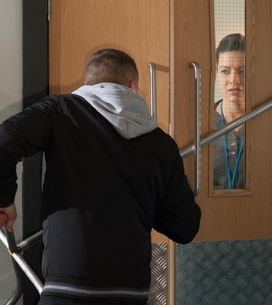 Hollyoaks 15/06 - Tegan is put-out by the return of loved-up Leela and Ziggy