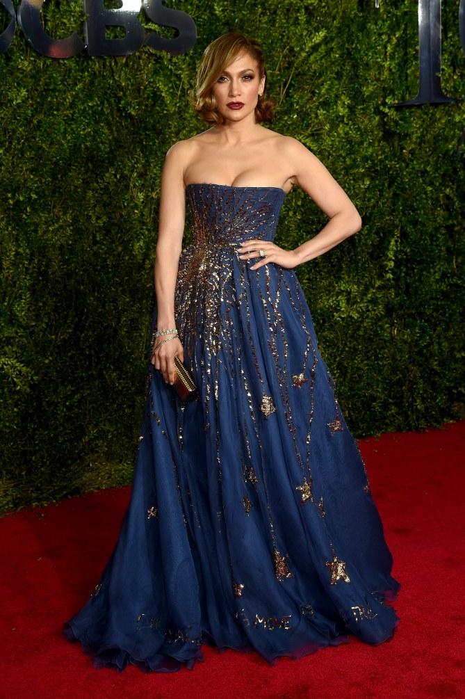 Alcuni degli ultimi outfit da sogno sfoggiati da Jennifer Lopez