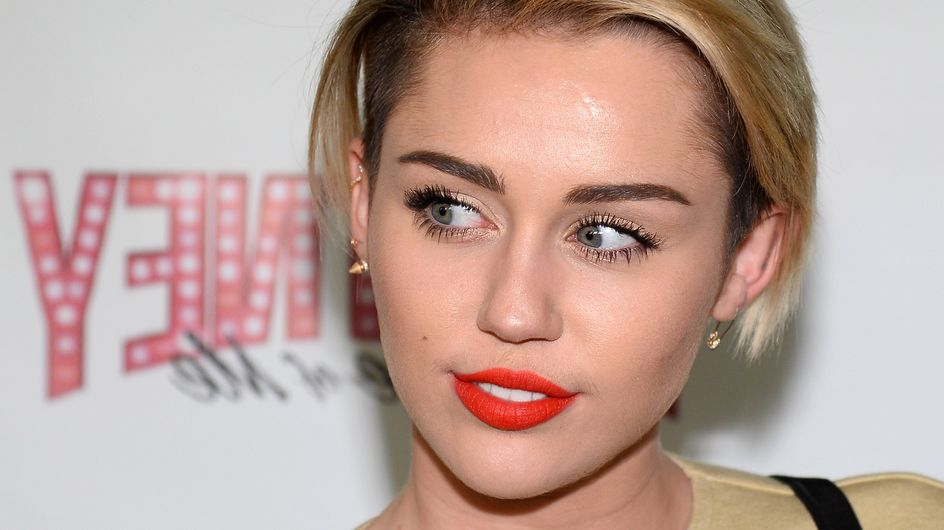 Miley Cyrus raconte la réaction de sa mère face à sa bisexualité