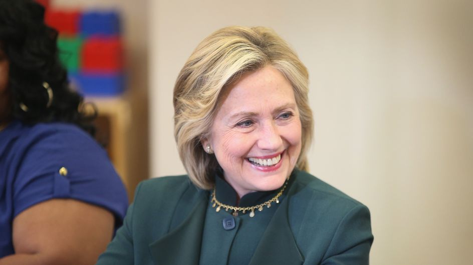 Hillary Clinton inaugure son compte Instagram (Photos)