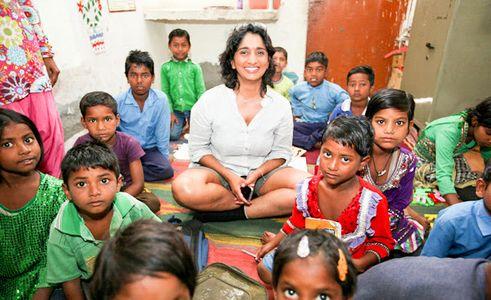 Patricia Loison dans un centre d'éducation informelle