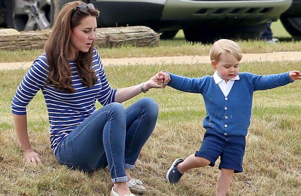 Para tudo! Nós precisamos falar do quão fofo Príncipe George estava esse fim de semana