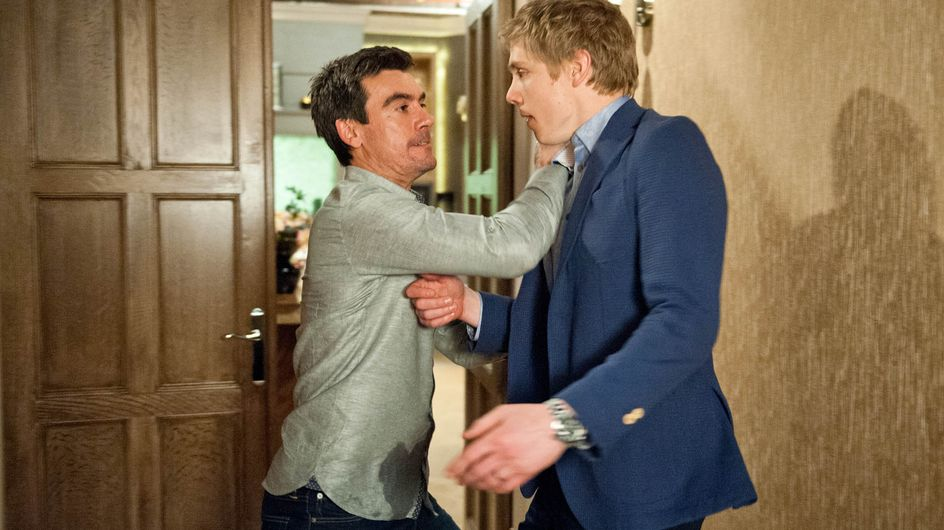 Emmerdale 22/06 - Can Cain betray Moira to keep his dirty secret?