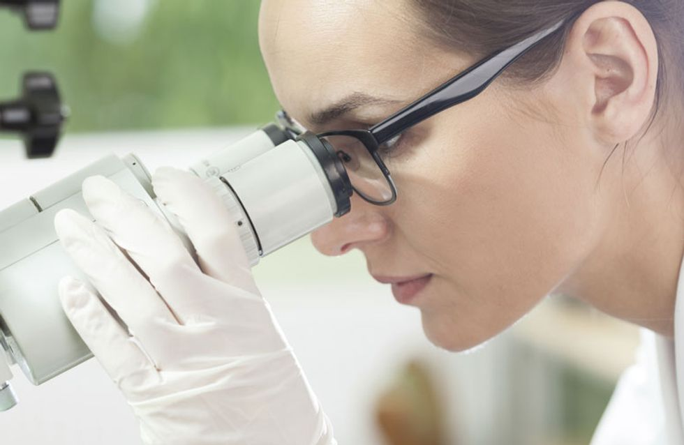 Mujeres científicas responden a los comentarios machistas de un Premio Nobel con una original iniciativa