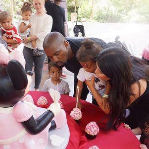 Kim Kardashian, Kanye West et North West à Disney