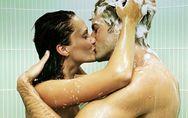12 problèmes qu'on vit forcément pendant l'amour sous la douche