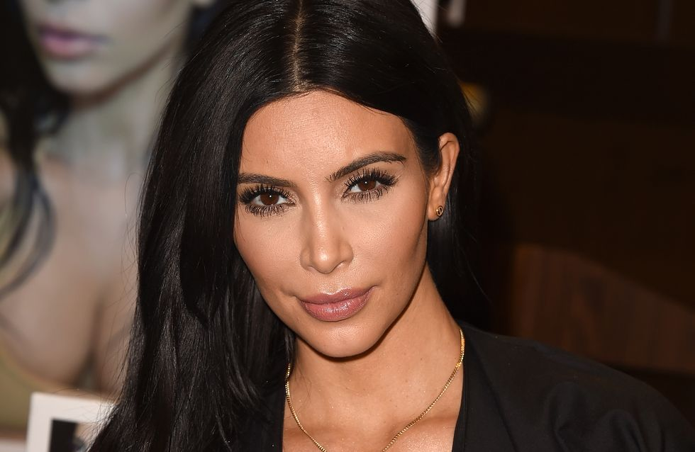 Kim Kardashian enceinte et toujours adepte des décolletés XXL (Photos)