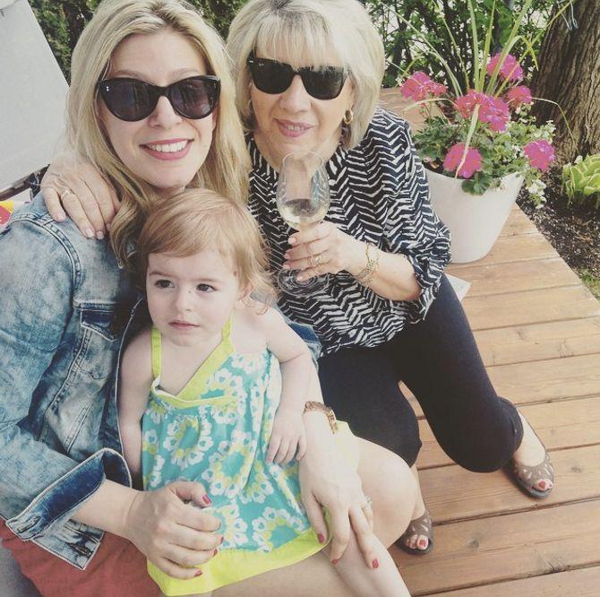 Depuis 2013, Anne-Marie Withenshaw est la maman de la belle Emma-Rose.