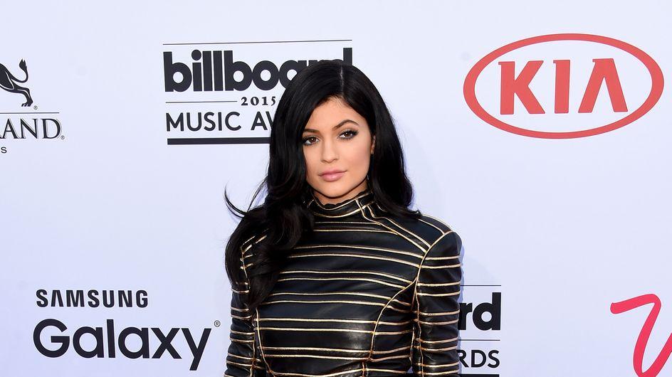 Kylie Jenner en robe très transparente pour un événement cannois (Photo)