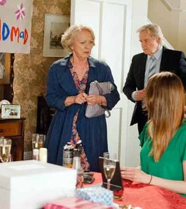 Coronation Street 08/07 - Deirdre's party is dealt a shattering blow