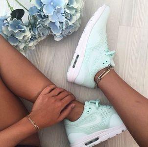 Sneakers mint