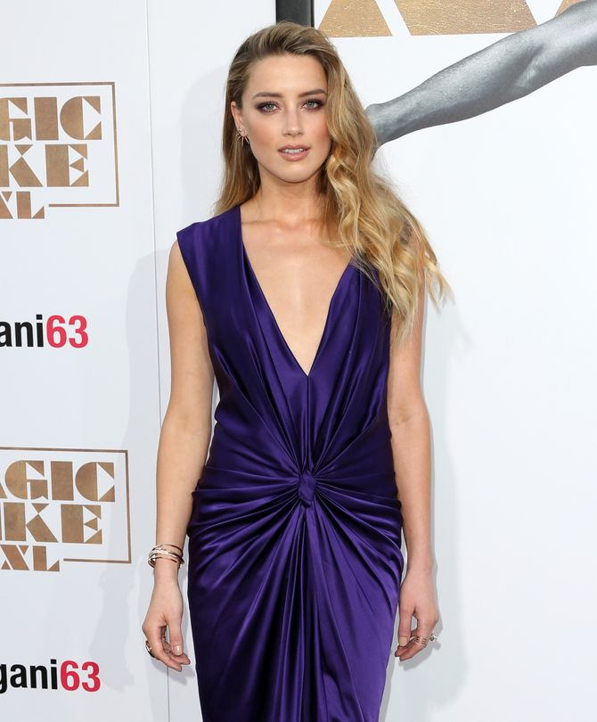 Amber Heard sur le tapis rouge.