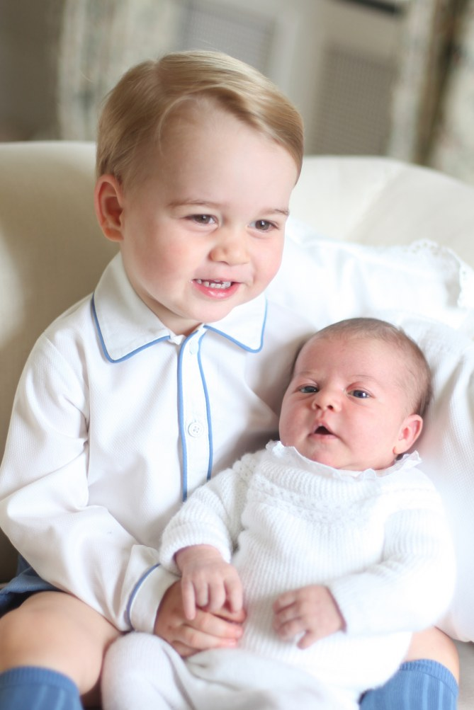 Baby George et sa petite soeur Charlotte