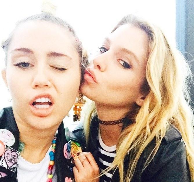 Miley Cyrus et Stella Maxwell