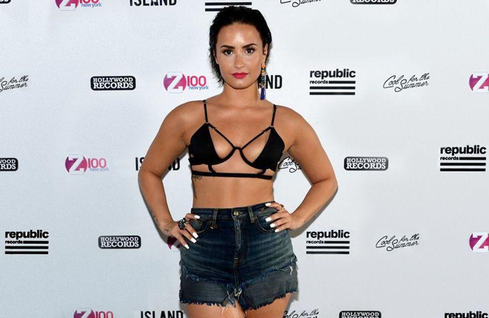 Demi Lovato y su bikini sadomaso, peor look de la semana