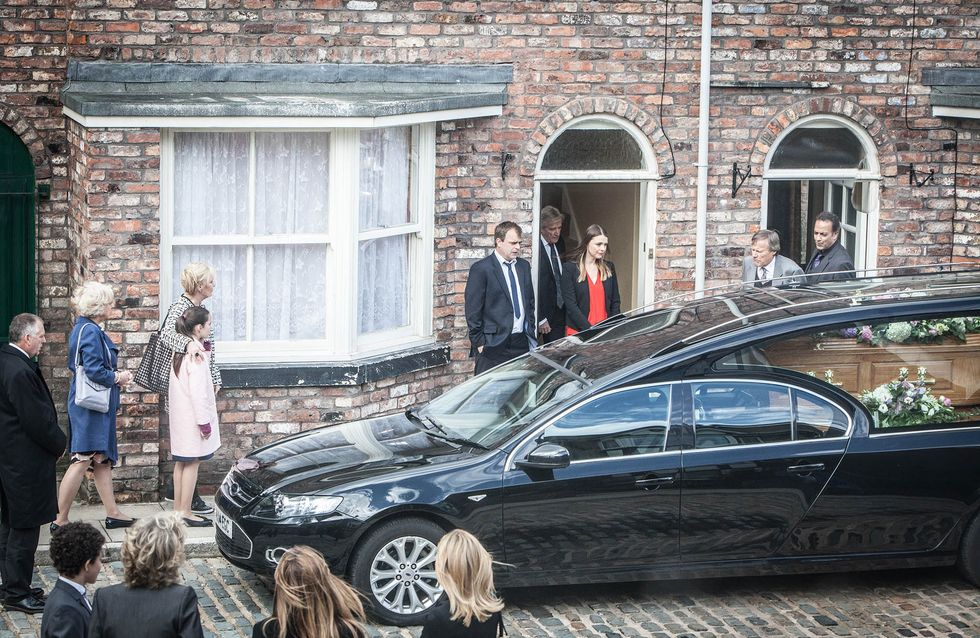 Coronation Street 13/07 - The street say goodbye to Deirdre