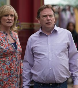 Eastenders 17/07 - The police are determined to arrest their suspect