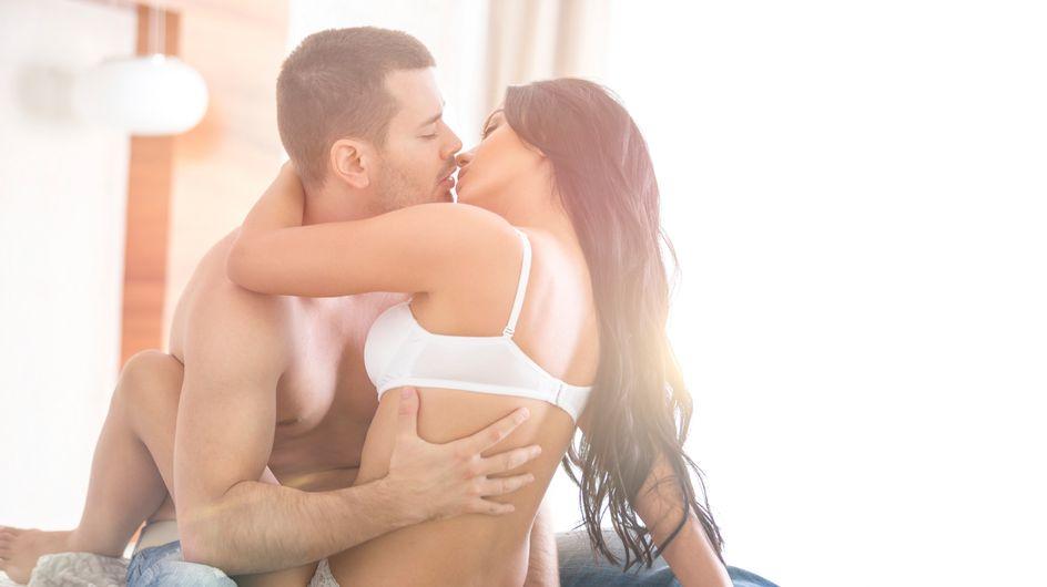 12 pensées qu'ont les hommes québécois pendant l'amour