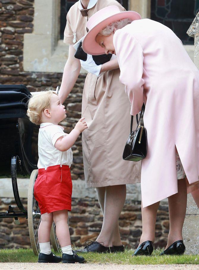 Baby George et sa 'Nanny' en pleine discussion