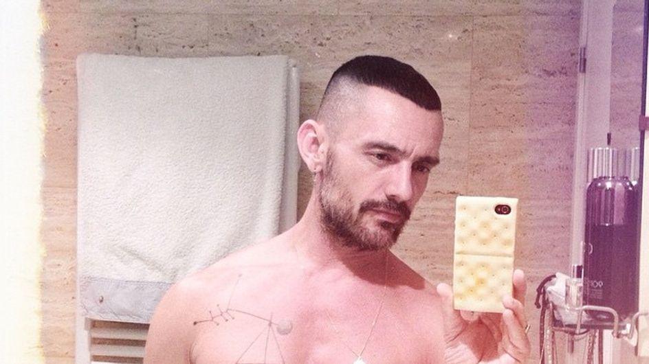 David Delfín y su gusto por el nudismo en el ascensor