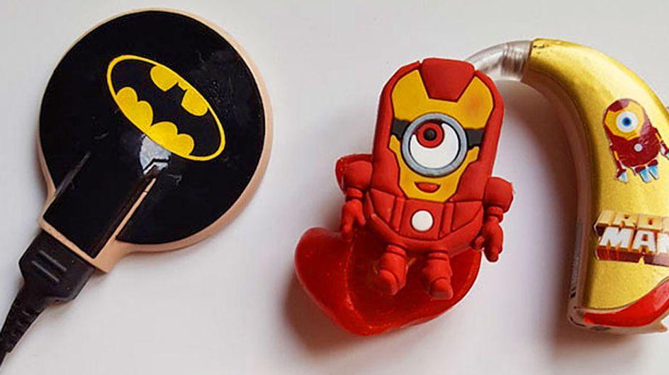 Una madre personaliza los audífonos de su hijo y otros niños con divertidas creaciones