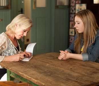 Hollyoaks 23/07 - Peri refuses Frankie's cheque
