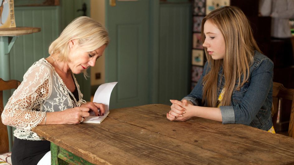 Hollyoaks 23/07 - Peri refuses Frankie's cheque