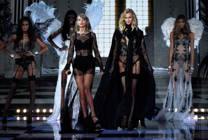 Taylor Swift, Karlie Kloss pour Victoria's Secret.