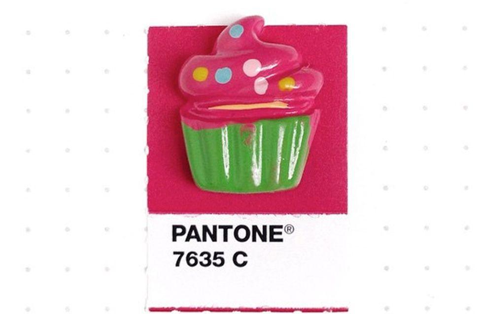 Tono sobre tono: muestras de Pantone iguales a pequeños objetos cotidianos