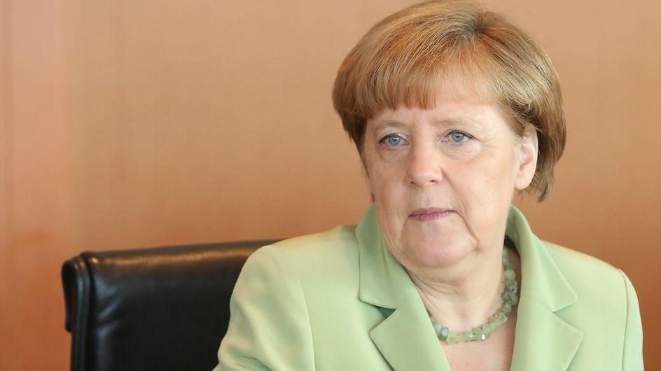 Angela Merkel fait pleurer une jeune réfugiée palestinienne (Vidéo)