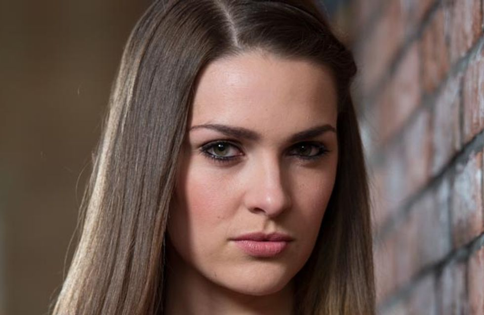 Hollyoaks 31/07 - Sienna spots Ben leaving The Dog