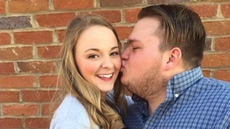 Son petit ami se fait insulter sur le net à cause d'une photo, elle lui déclare son amour