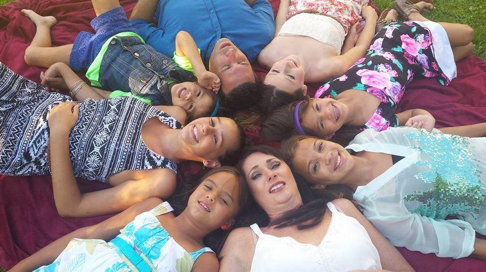Ihre beste Freundin verlor den Kampf gegen Krebs - also nahm diese selbstlose Mutter ihre vier Töchter auf