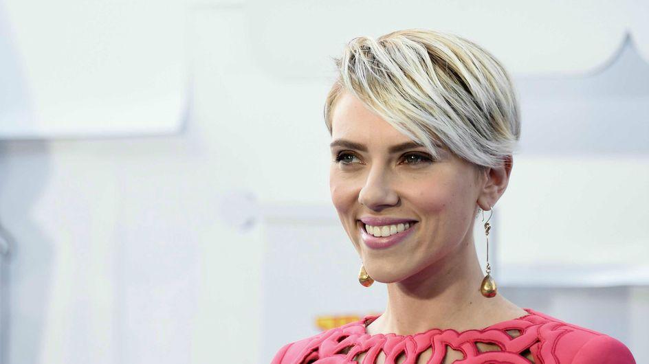 Scarlett Johansson change de coiffure (Photo)