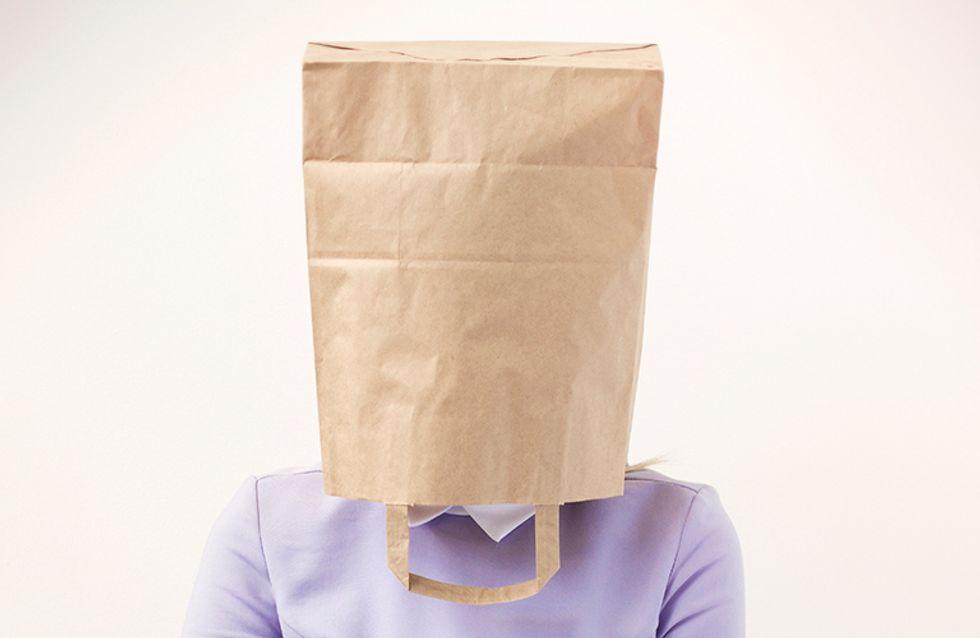 15 situações que deixam uma pessoa tímida roxa de vergonha