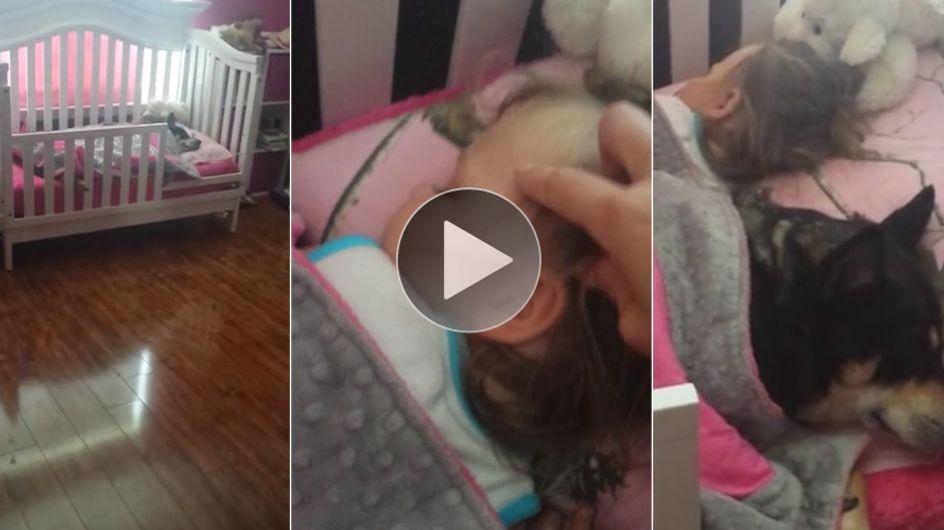 Diese Mutter will kurz einen Blick auf ihr schlafendes Kind werfen und erlebt eine süße Überraschung