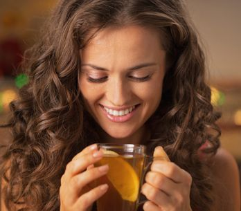 Los 10 usos inesperados del té para tu piel y tu cabello